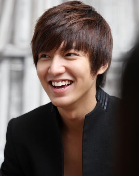 韓国 俳優 人気 投票